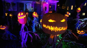 halloween contest show us your haunted house and costume