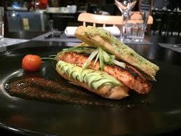 le bonheur dans la cuisine eclair de saumon mariné petits pois et smith du bonheur