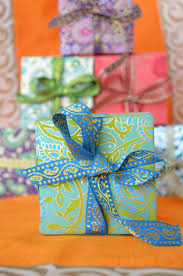 indian wedding favor box comes with a beautiful matching ribbon