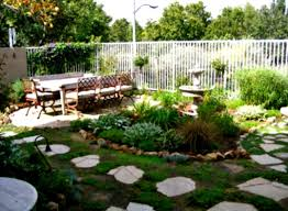 fascinating inexpensive landscaping ideas for front yard photo