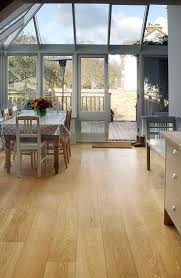 Grey Wood Floors Kitchen by Best 25 Engineered Oak Flooring Ideas On Pinterest Oak Flooring