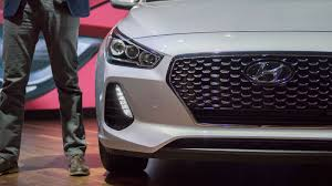 2018 hyundai elantra gt offers tech style for 19 350 roadshow