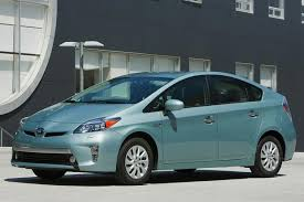 toyota prius 2014 review 2014 toyota prius in hybrid car review autotrader