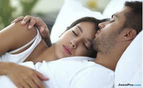 seks makin bergairah di ranjang ikuti 11 cara ini