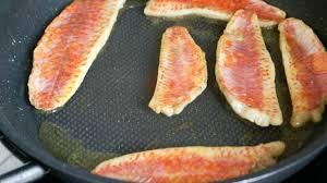cuisiner rouget filets de rougets recette de filets de rougets à l unilatéral