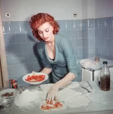 italian domme in hair curlers sophia loren making pizza mmm pinterest sophia loren