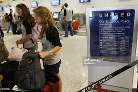 bag fee united united becomes second major airline to charge for first checked