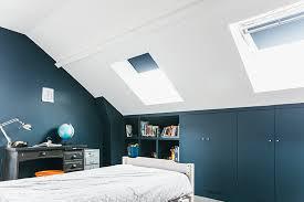 chambre peinte en bleu nuances de bleu style industriel frenchy fancy