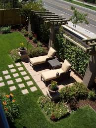 Pics Of Backyard Landscaping by Best 25 Backyard Privacy Ideas On Pinterest Patio Privacy