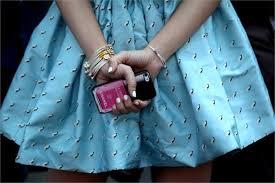 onlynails chanel iphone case nail polish en riktig trend