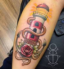 die besten 25 traditionelles leuchtturm tattoo ideen auf