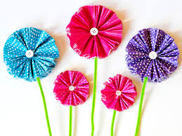 how to make paper flowers using cupcake liners diy network