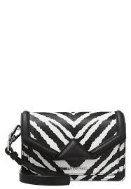 K Henm El G Stig Online Kaufen Günstig Karl Lagerfeld Damen Taschen U0026 Koffer Sale Im Online Shop