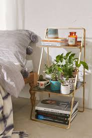 Bedside Table Ideas 25 Best Ideas About Bedroom Table On Pinterest Bedside Table