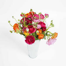 boquet delivery ranunculus farm fresh flowers