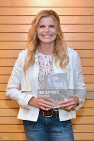 Ariel Barnes Mariel Hemingway Signs Copies Of Her New Book