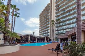 Harbor Light Family Resort Hotels In San Diego Ca Wyndham San Diego Bayside San Diego