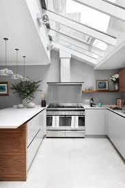 cuisine sous pente la cuisine avec verrière les conseils des spécialistes