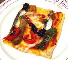 cuisiner des sardines fraiches pizza aux sardines fraiches et aux légumes du soleil courgette et