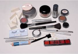 tools for makeup artists 4 steps on how to become a makeup artist career opportunities as