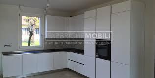 cucine con piano cottura ad angolo gallery of cucine ad angolo fabbriche mobili cucina ad angolo