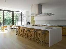 cuisine bois et cuisine cuisine moderne blanc et bois cuisine moderne blanc or