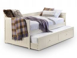 white daybeds with trundle decorate my house
