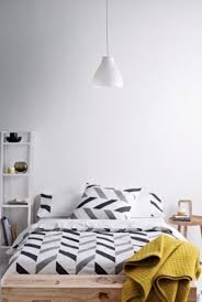 Black And White Chevron Bedding 30 Timeless Geometric And Graphic Bedding Ideas Digsdigs