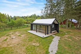 modern scandinavian tiny house by simon steffensen
