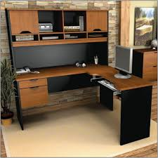 Large Computer Desk With Hutch by Picking The Best Large Computer Desk For Your Home Or Office