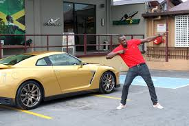 nissan gold usain bolt gets an exclusive gold painted nissan gt r