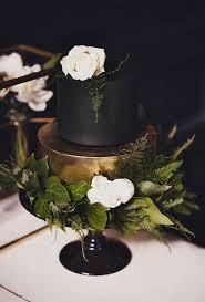 dark wedding cakes brides