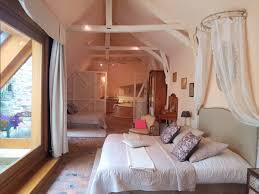 chambre romantique hotel nuit romantique en amoureux le cdv lohéac hotel insolite bar