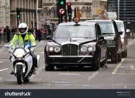 bentley london london june 5 britains queen elizabeth stock photo 104948657
