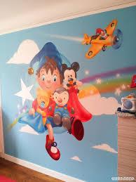 fresque murale chambre bébé fresque murale oui oui pour une chambre de bébé