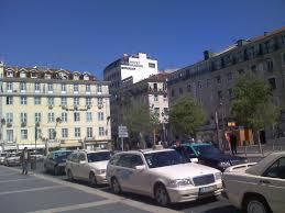 Praça de taxis Images?q=tbn:ANd9GcTjphehLlDeHI2JyReySeLXRVAYrC9Lg2GvtlnYu9hZ0Q2Dh_ncEw