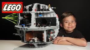 7 year old builds lego death star in 3 minutes time lapse build