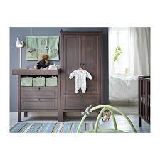commode chambre bébé ikea sundvik table à langer commode ikea pour bébé