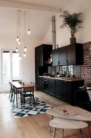 cuisine en brique cuisine loft tendance avec mur en briques cuisine esprit