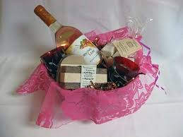 bridal shower gift baskets bridal shower gift basket ideas theme pictures fashion gallery
