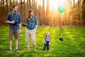 family photography 24 absolutely creative family portraits you can shoot hongkiat