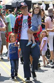 Seeking Johnny Knoxville Johnny Knoxville Spends Day At Farmers Market With Family As Bad