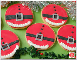 decorated christmas cookies eat christmas treats pinterest