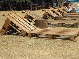 chaise longue palette 24 utilisations incroyables de vieilles palettes en bois transat