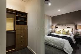 placard moderne chambre chambre à coucher moderne et vue en bois de secteur de placard la