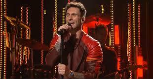Snl Red Flag Saturday Night Live Sarah Silverman U0026 Maroon 5 Really Late Reviews