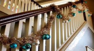 Banister Decorations 15 Ideas For Christmas Staircase Decorating House Interiors