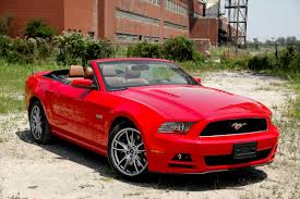 ford mustang gt convertible 2013 the mustang engineers say the current architecture makes the