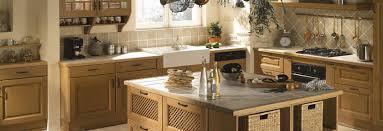 mini cuisine lapeyre une cuisine en bois ouverte sur votre séjour