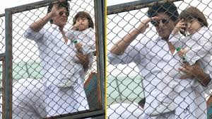 srk and abram greet fans outside mannat on eid the quint
